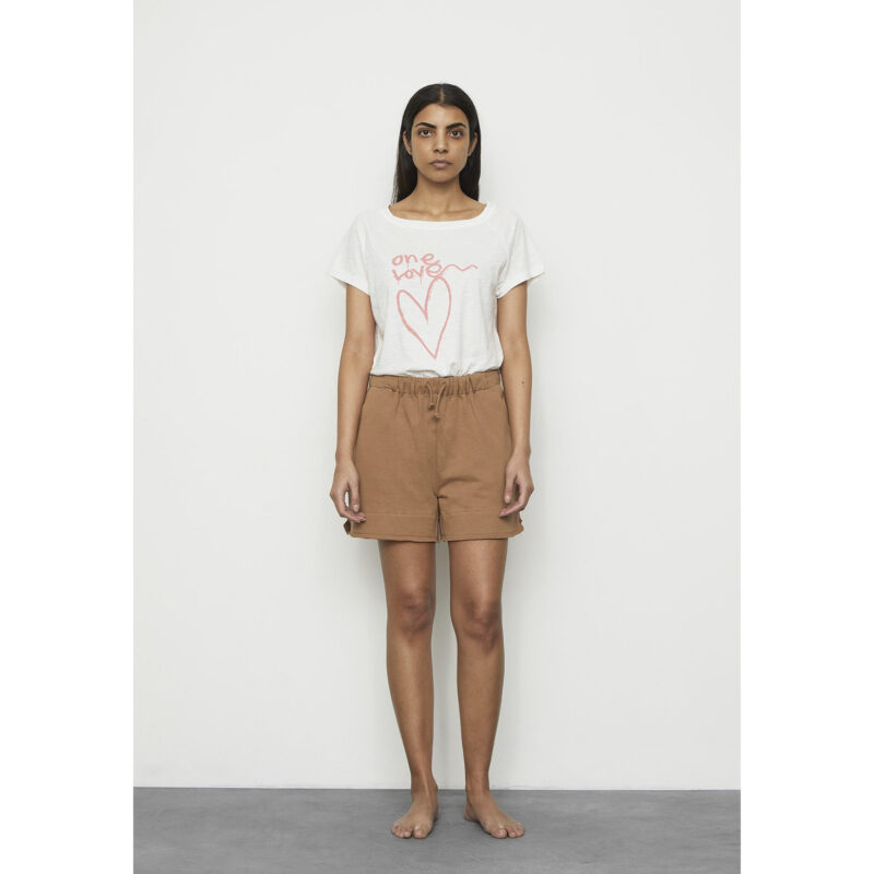 Sally_t-shirt_Jetta_Loop_Back_Shorts
